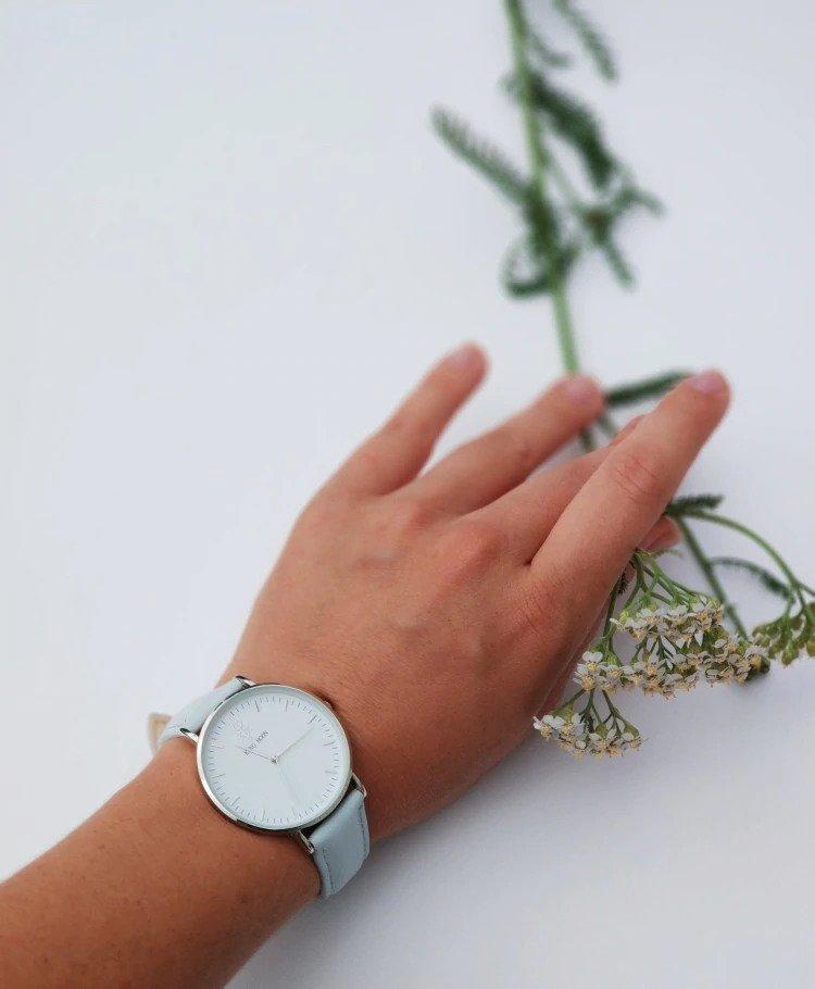 Zegarek King Hoon Star szary srebrny biały 16