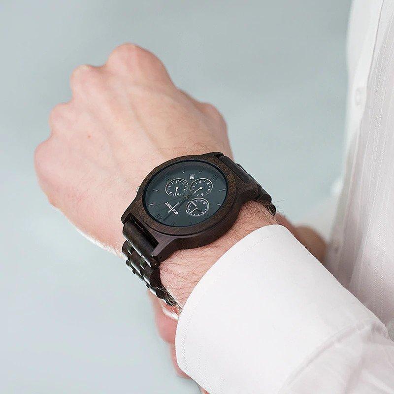 Drewniany zegarek Bobo Bird Lux Dark P19-1 na ręce