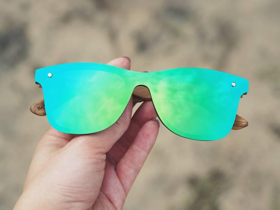 Okulary przeciwsłoneczne lustrzanki od przodu