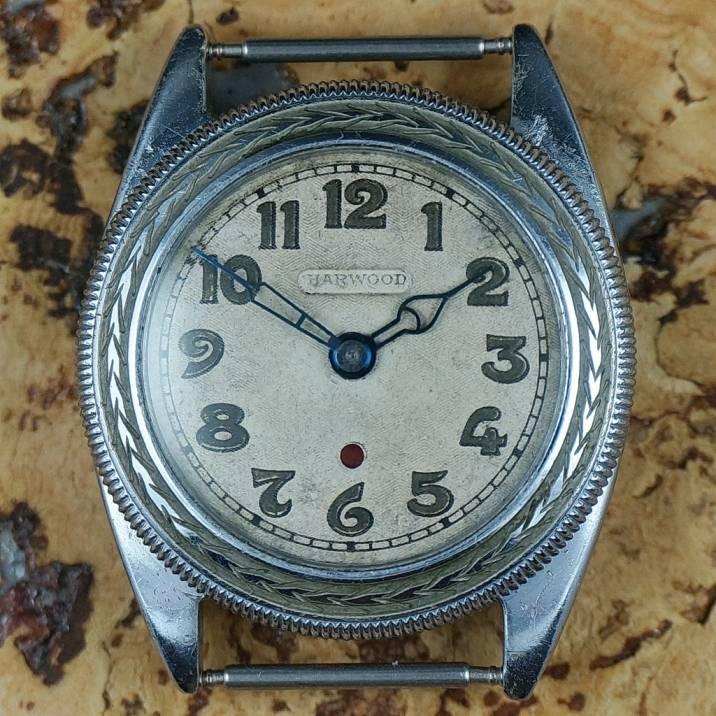 Pierwszy zegarek z napędem automatycznym